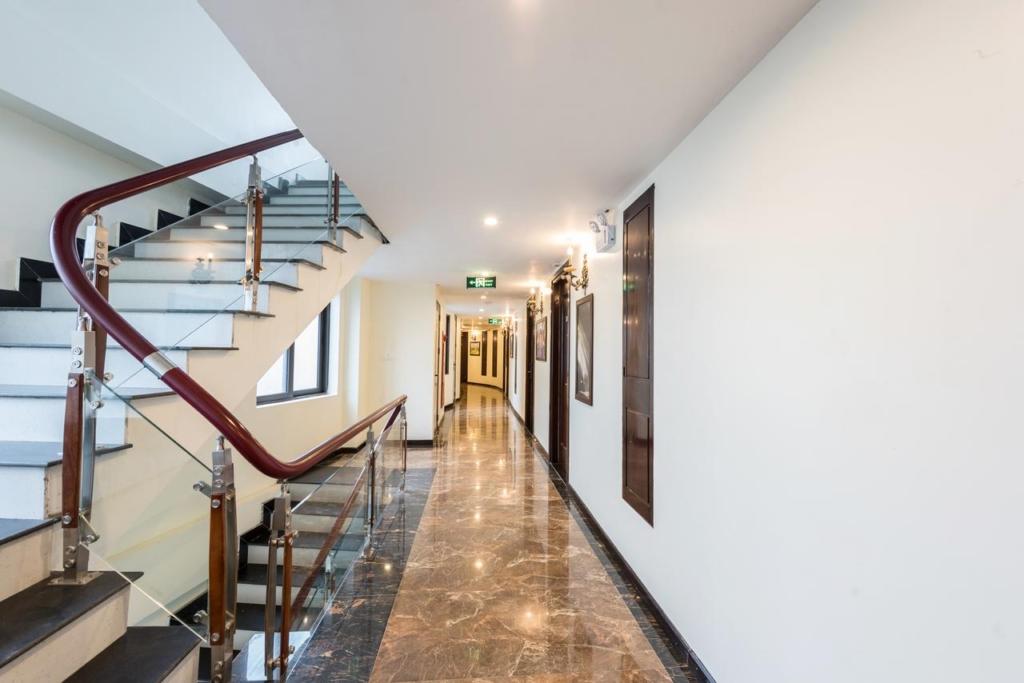 133280637 1024x683 - Thiết kế & thi công nội thất khách sạn 4 sao Sapa Relax Hotel & Spa