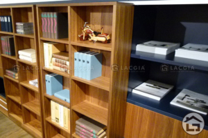 ke trang tri 09 300x200 - Tủ trang trí gỗ TTT09
