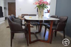 BA10 ban an mat da ghe boc da co vai 1 300x200 - Bàn ghế ăn gỗ cao cấp BA11