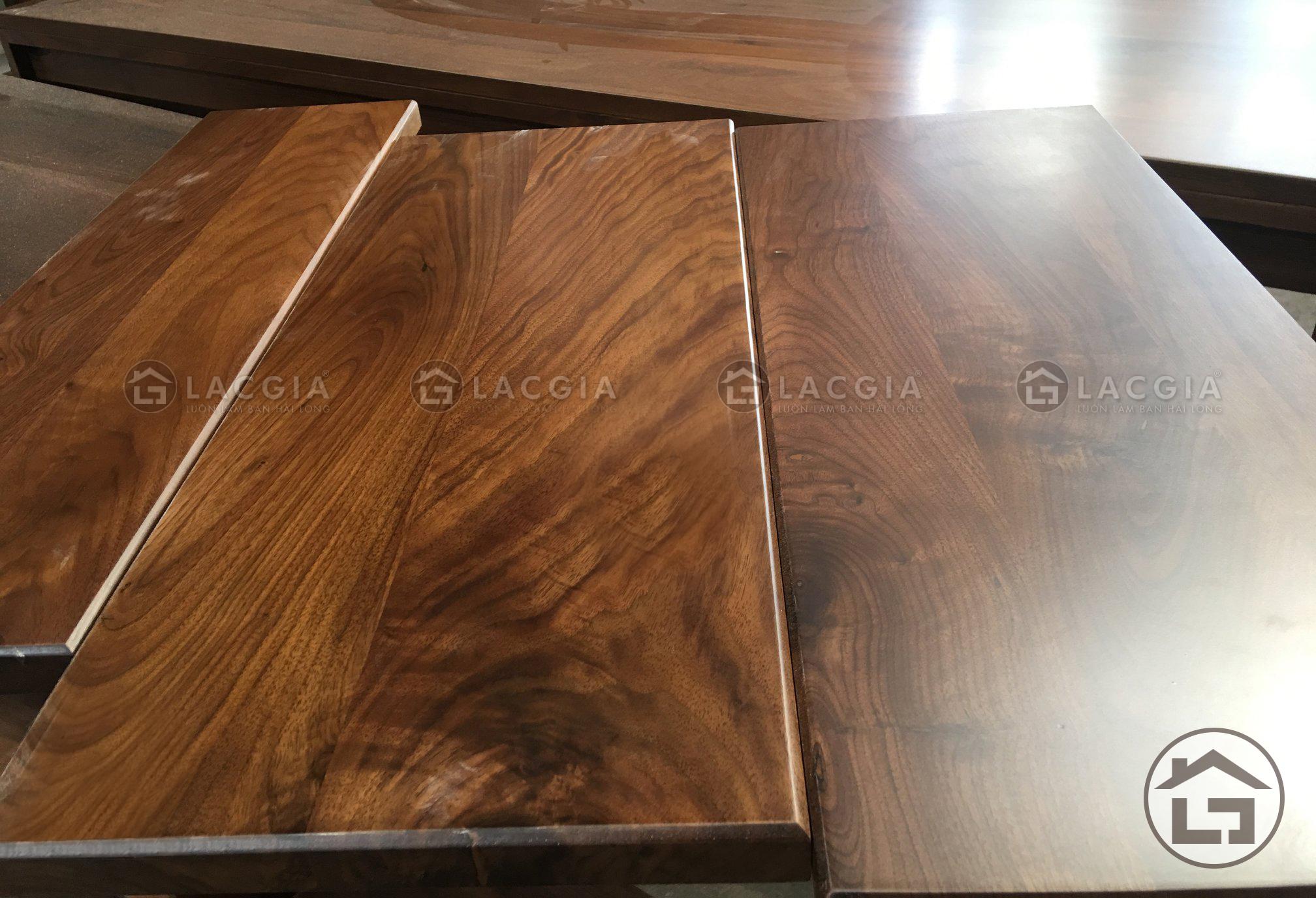gỗ óc chó trong thi công sofa gỗ phòng khách