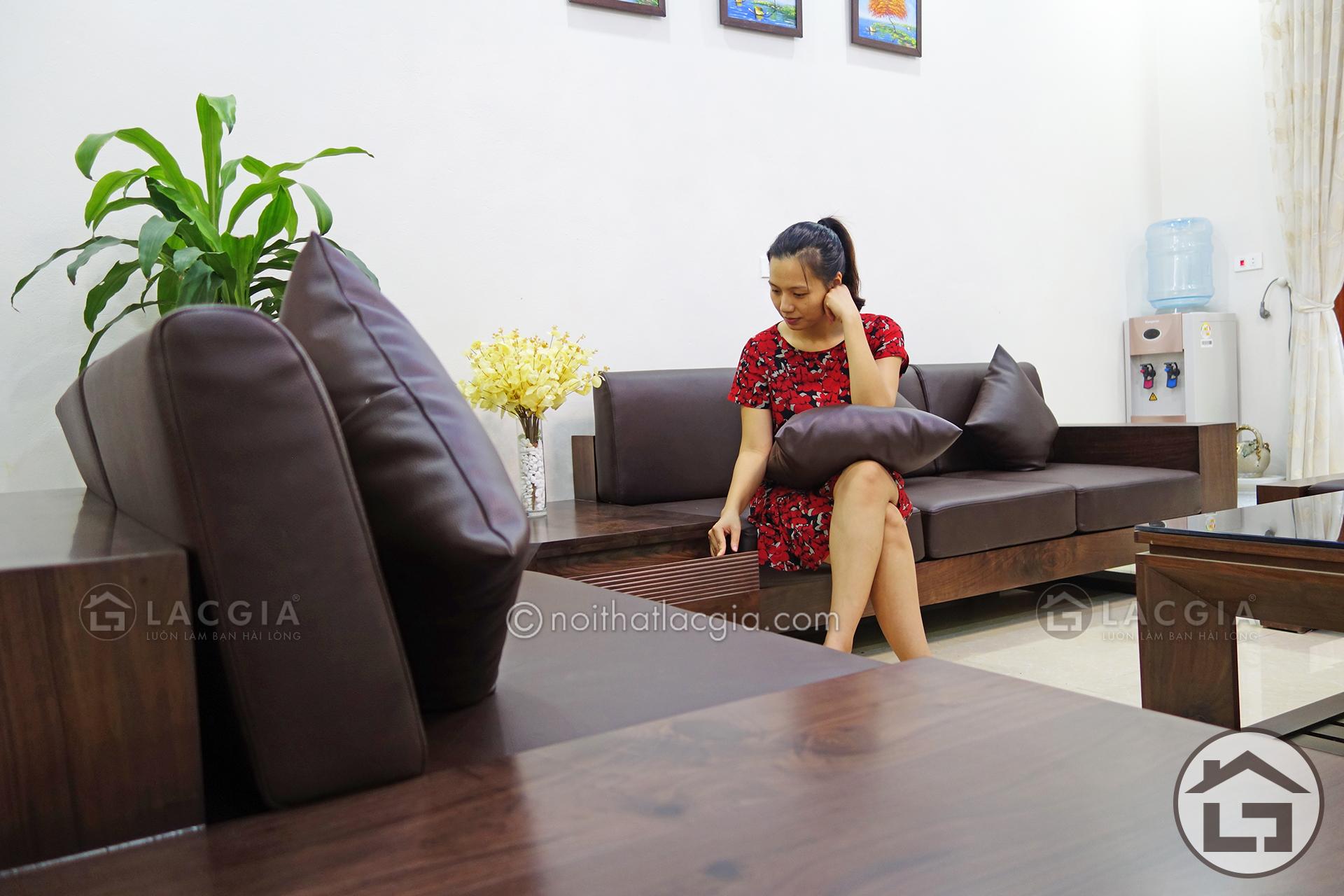 sofa go cho khong gian phong khach dep SF12 28 - Hướng dẫn vệ sinh, bảo quản bộ sofa gỗ phòng khách đúng cách