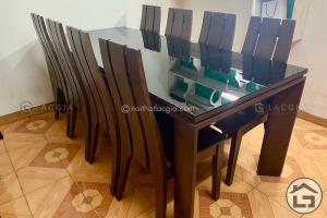 2 1 300x200 - Bàn ăn bằng gỗ - Xu hướng lựa chọn mới cho không gian phòng bếp
