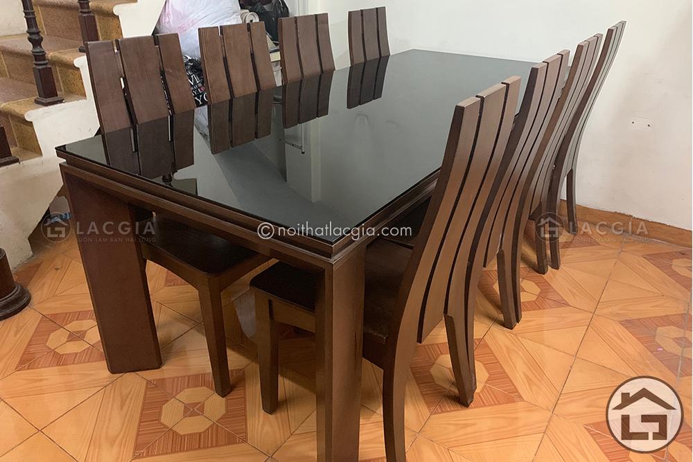 Nên chọn bàn ăn gỗ công nghiệp hay bàn ăn gỗ tự nhiên cho phòng bếp - Ảnh 1