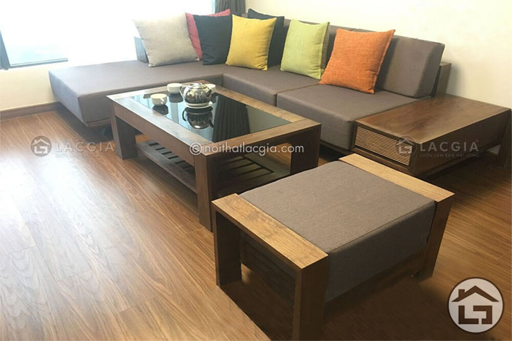 sofa go chu L - Ưu nhược điểm của sofa gỗ bọc đệm da và nỉ