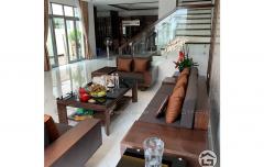 Sofa gỗ hình chữ U cho phòng khách có diện tích lớn