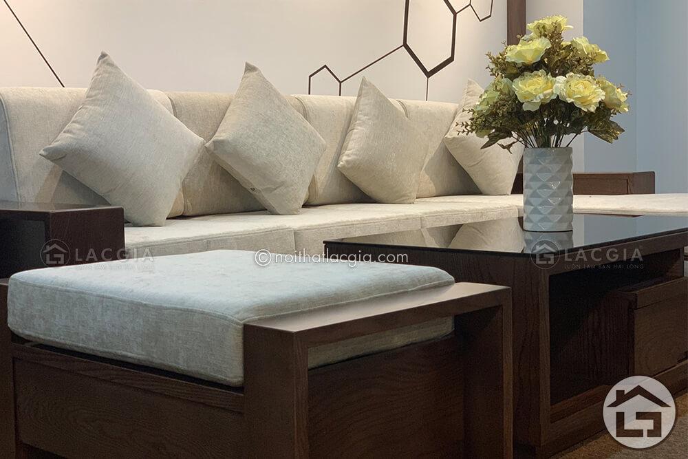 Mẫu sofa gỗ cao cấp SF23 lấy màu tone màu trắng làm chủ đạo