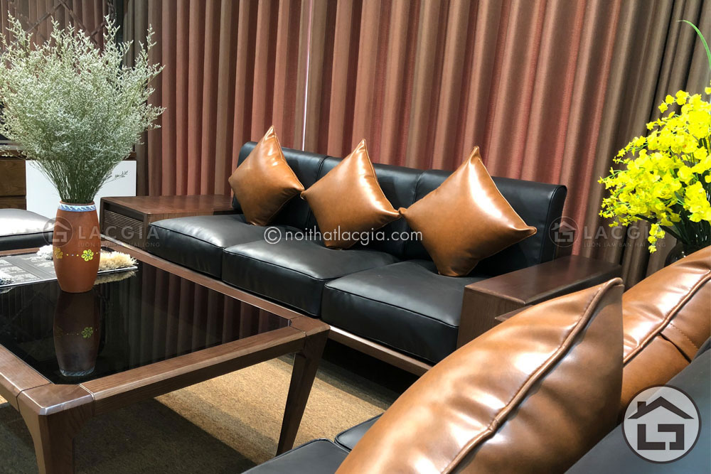 sofa gỗ đệm da cho không gian thêm hiện đại