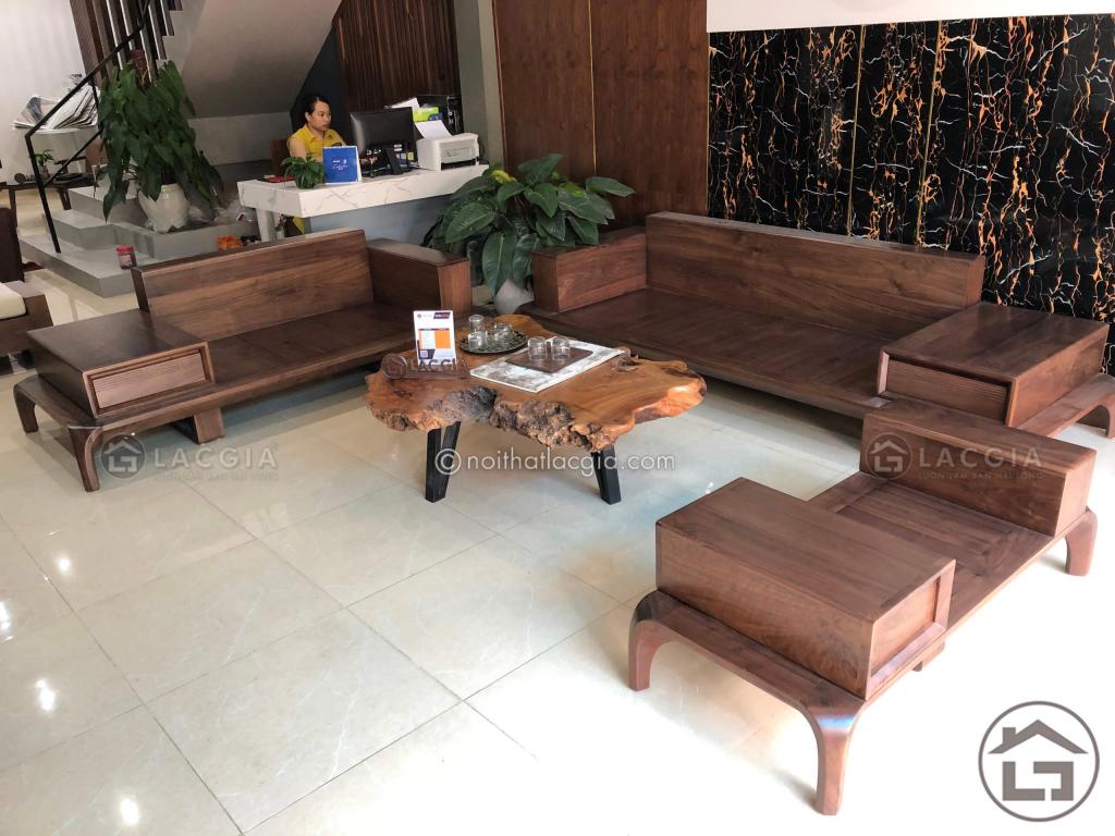 Phan khung cua sofa go phong khach 1024x768 - Chọn mua sofa gỗ gia đình thì bạn cần lưu ý những gì?