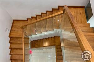 Kích thước cầu thang gỗ đẹp
